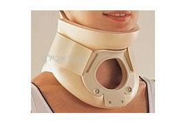 צווארון Philadelphi לקיבוע הצוואר לאחר ניתוח או טראומה