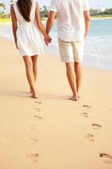 הליכה בחוף הים